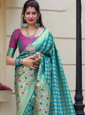 Weaving Silk Blue Silk Saree
