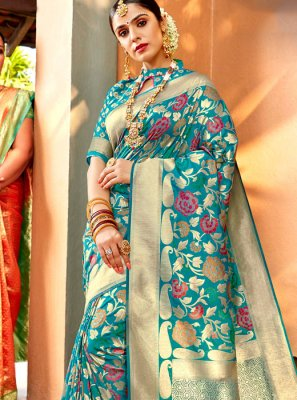 Weaving Silk Classic Saree in Blue