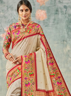 Weaving Silk Classic Saree in Cream