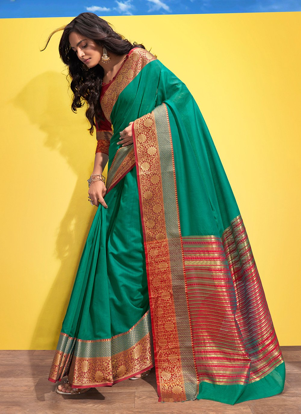 Woven Cotton Green Traditional Saree