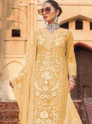 Yellow Pakistani Salwar Kameez
