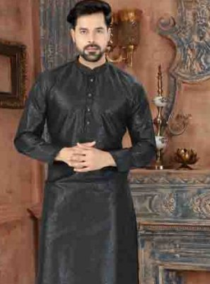 Art Dupion Silk Kurta Pyjama in Black