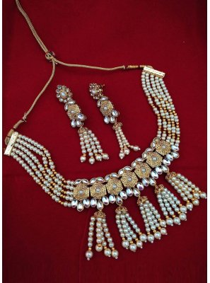 Beige and Gold Engagement Necklace Set