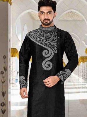 Black Embroidered Kurta Pyjama