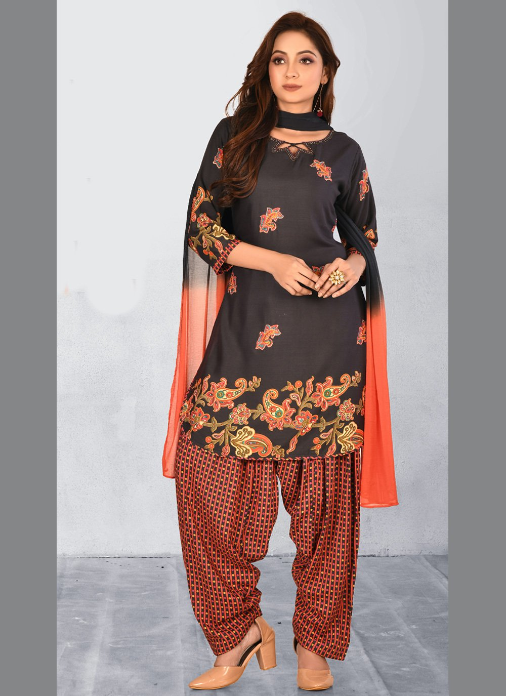 Black Embroidered Readymade Salwar Kameez