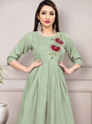 Casual Kurti Thread Work Cotton in Green