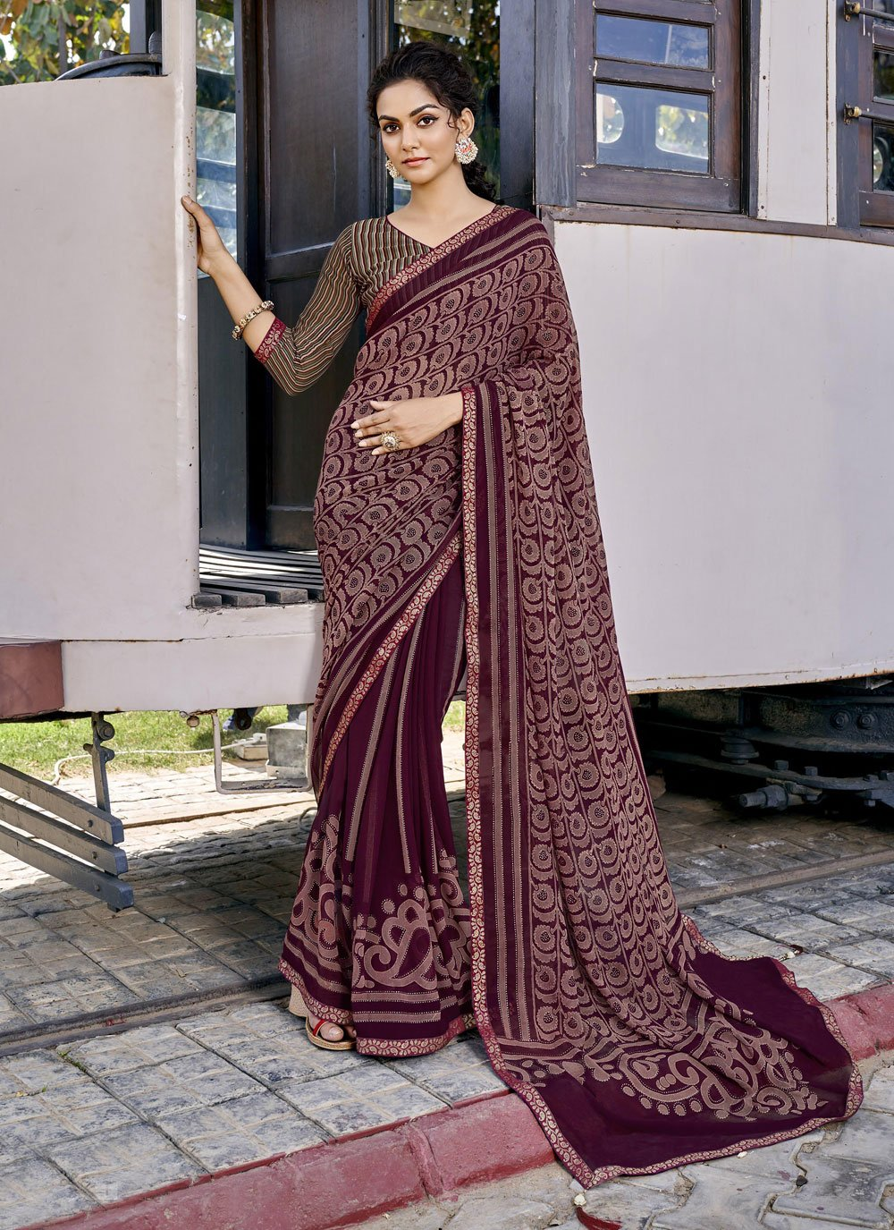 Faux Georgette Wine Abstract Print Printed Saree