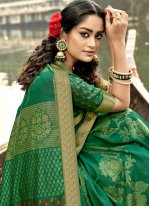 Foil Print Vichitra Silk Classic Designer Saree in Green