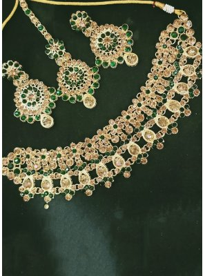 Gold and Green Mehndi Necklace Set
