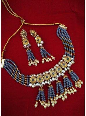 Gold and Grey Stone Mehndi Necklace Set