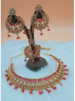 Gold and Magenta Mehndi Necklace Set