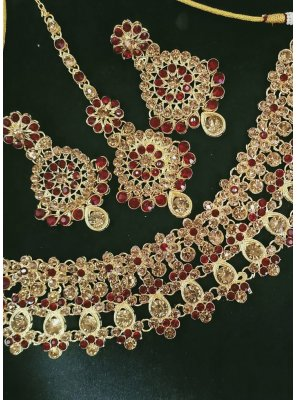 Gold and Maroon Stone Work Necklace Set