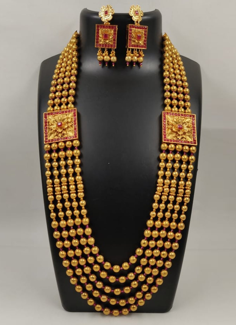 Gold and Red Stone Necklace Set