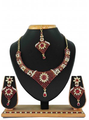 Gold Ceremonial Necklace Set