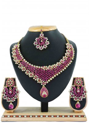 Gold Mehndi Necklace Set