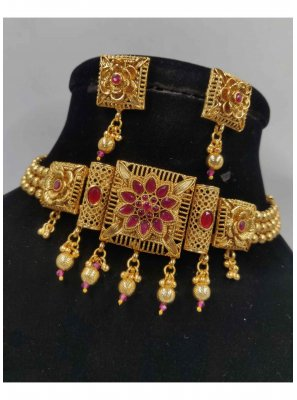 Gold Sangeet Necklace Set
