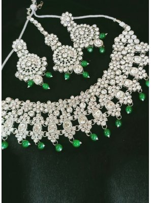 Green and Silver Mehndi Necklace Set