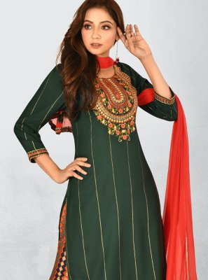 Green Embroidered Rayon Bollywood Salwar Kameez