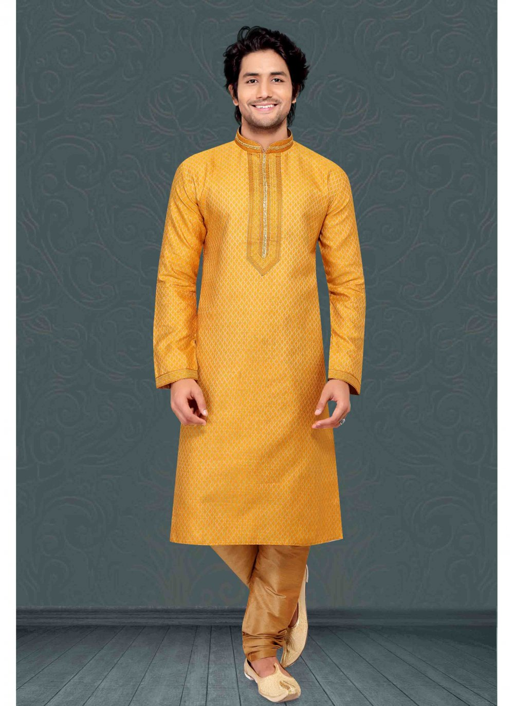Kurta Pyjama Embroidered Jacquard in Yellow