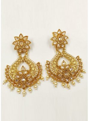 Moti Ear Rings in Beige and Gold