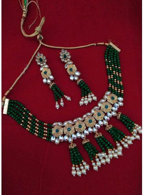 Moti Gold and Green Necklace Set