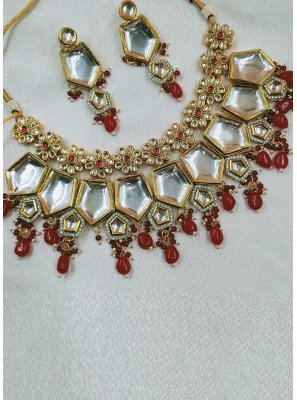 Moti Gold and Maroon Necklace Set