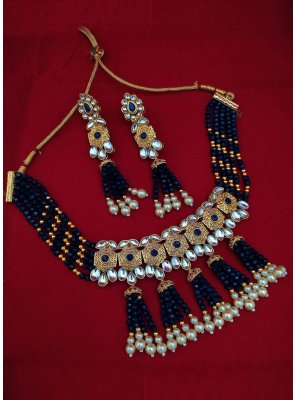 Necklace Set Moti in Black and Gold