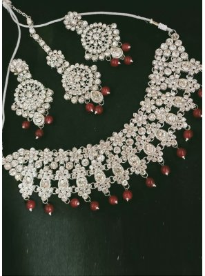 Necklace Set Moti in Maroon and Silver