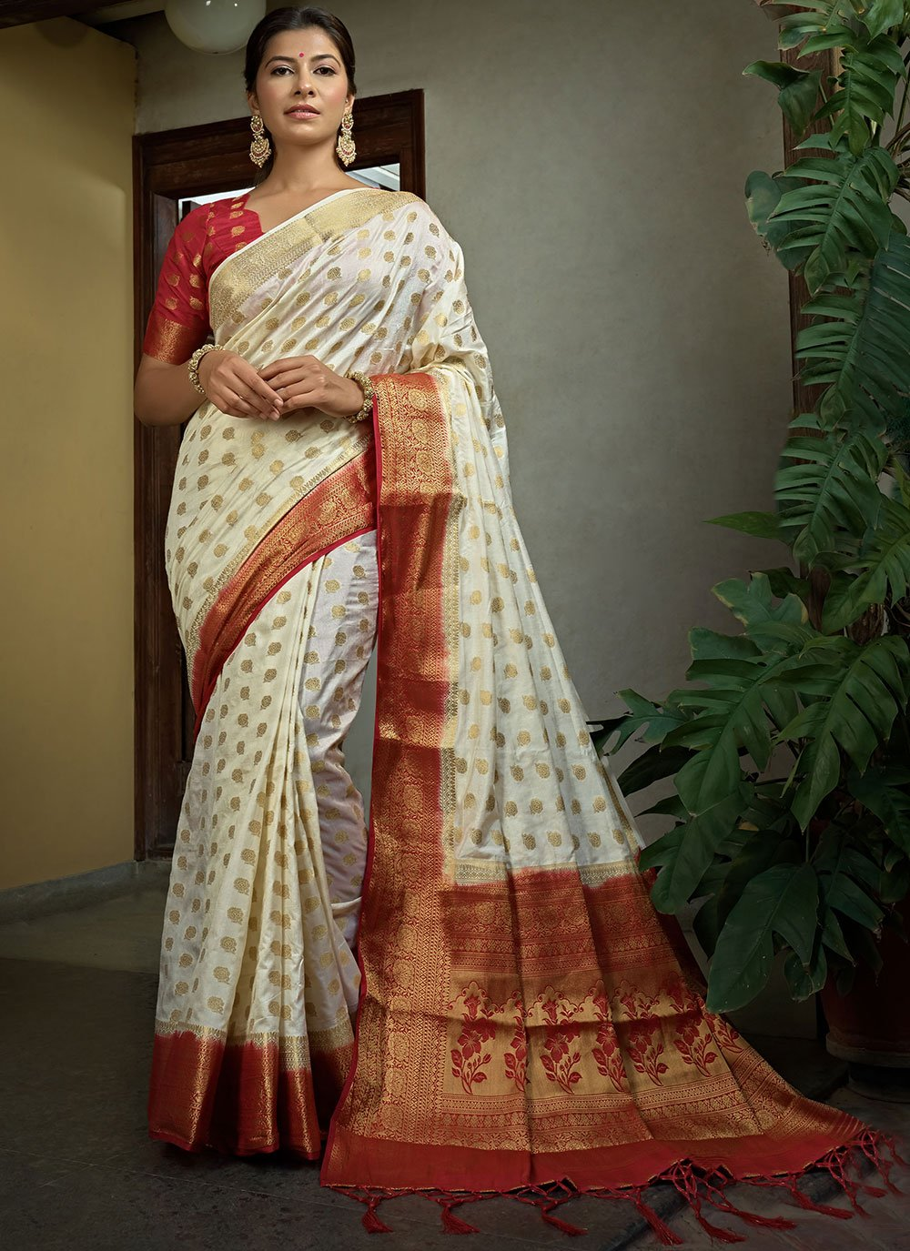 Off White Weaving Raw Silk Trendy Saree