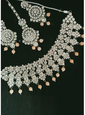 Peach and Silver Moti Party Necklace Set