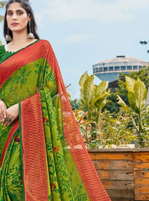 Printed Saree Abstract Print Brasso in Green