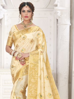 Silk Traditional Designer Saree in Cream