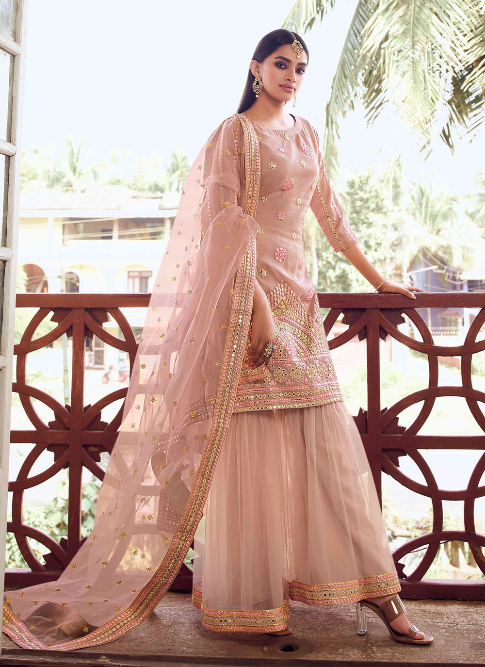 Thread Designer Pakistani Salwar Suit