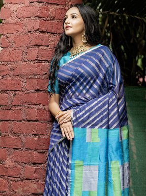 Traditional Saree Weaving Silk in Blue