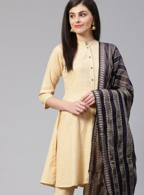 Trendy Salwar Kameez For Festival