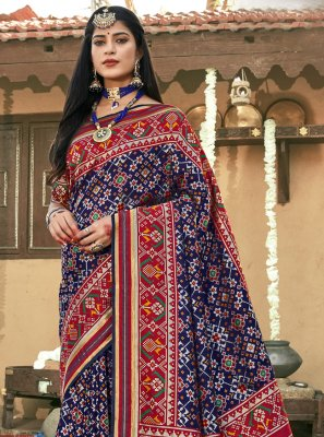 Weaving Banarasi Silk Contemporary Saree in Navy Blue