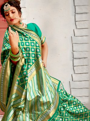 Weaving Banarasi Silk Traditional Saree in Green