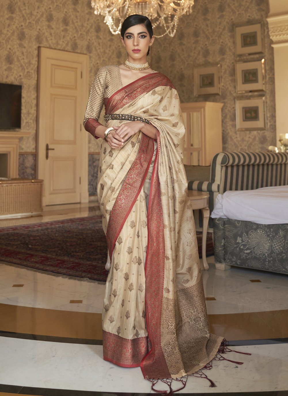 Weaving Cream Tussar Silk Traditional Saree