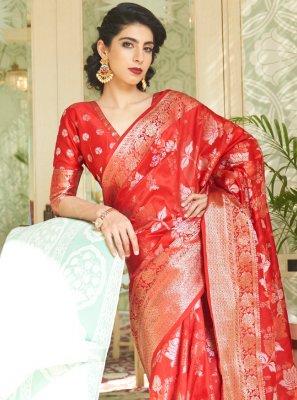 Weaving Handloom silk Traditional Saree in Red