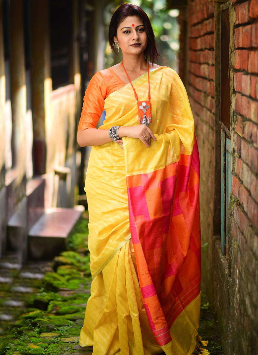 Weaving Silk Traditional Designer Saree in Yellow