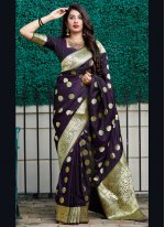 Weaving Traditional Saree